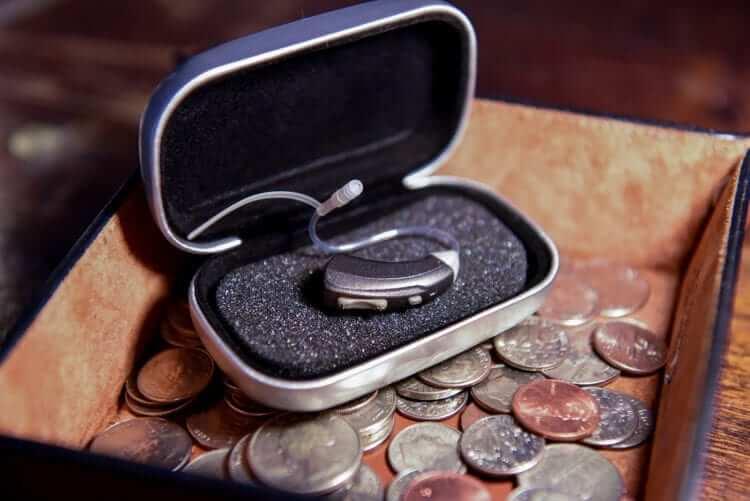 Single Black Hearing Amplifier in Case